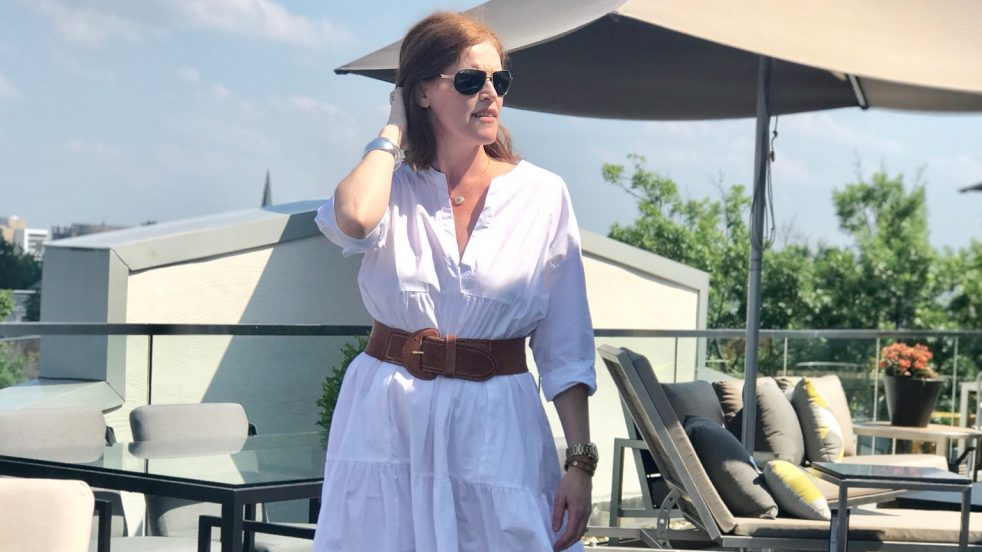 French Chic Summer Essential: The Poplin White Dress