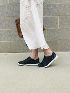 Street Style Black Sneakers: Collaboration with KIZIK Footwear